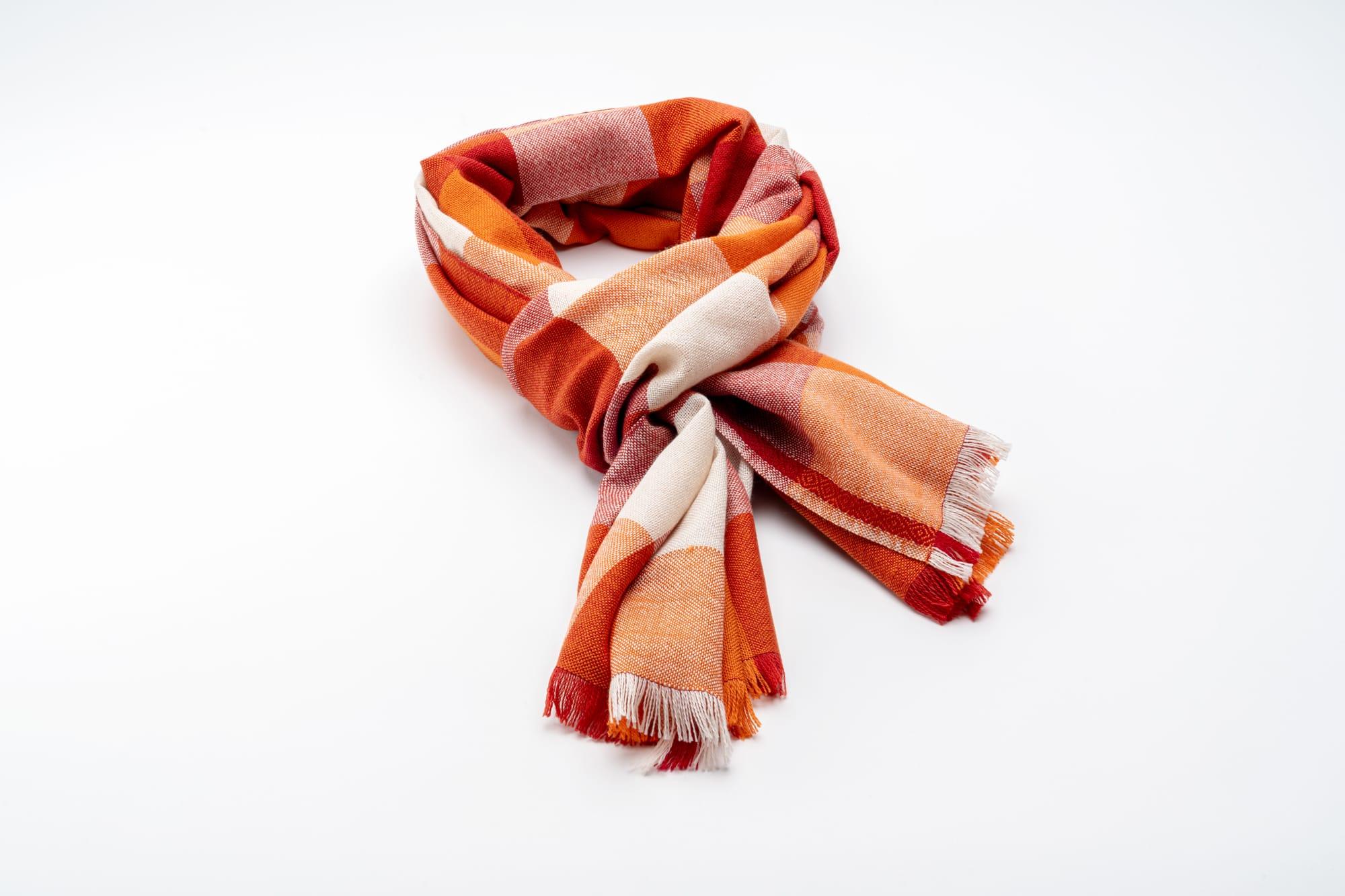 Bigna Schal Rot-Orange Drapiert