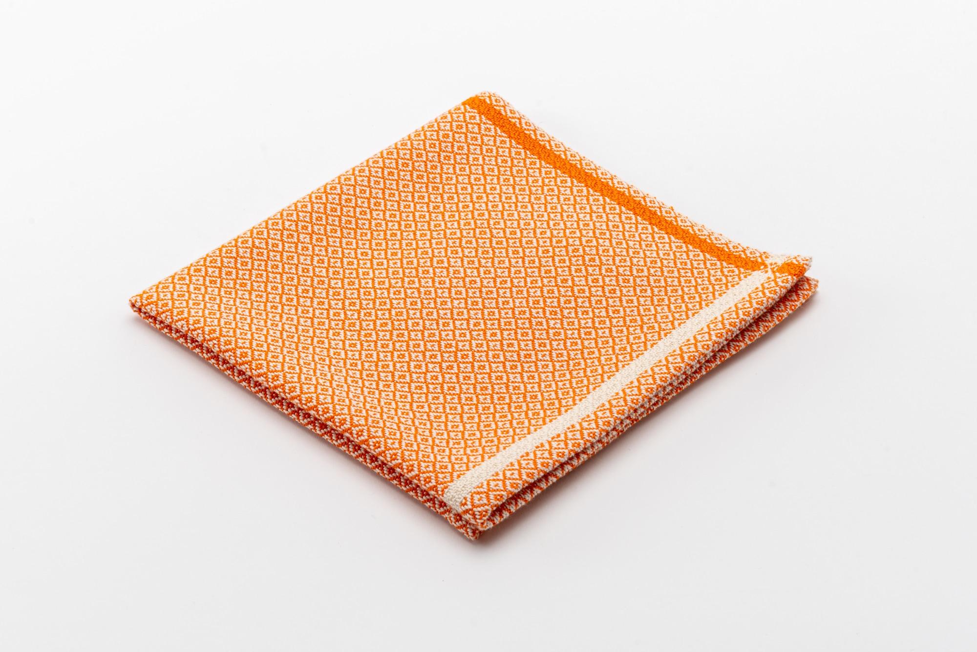 Val Müstair Sdratsch Orange gefalten