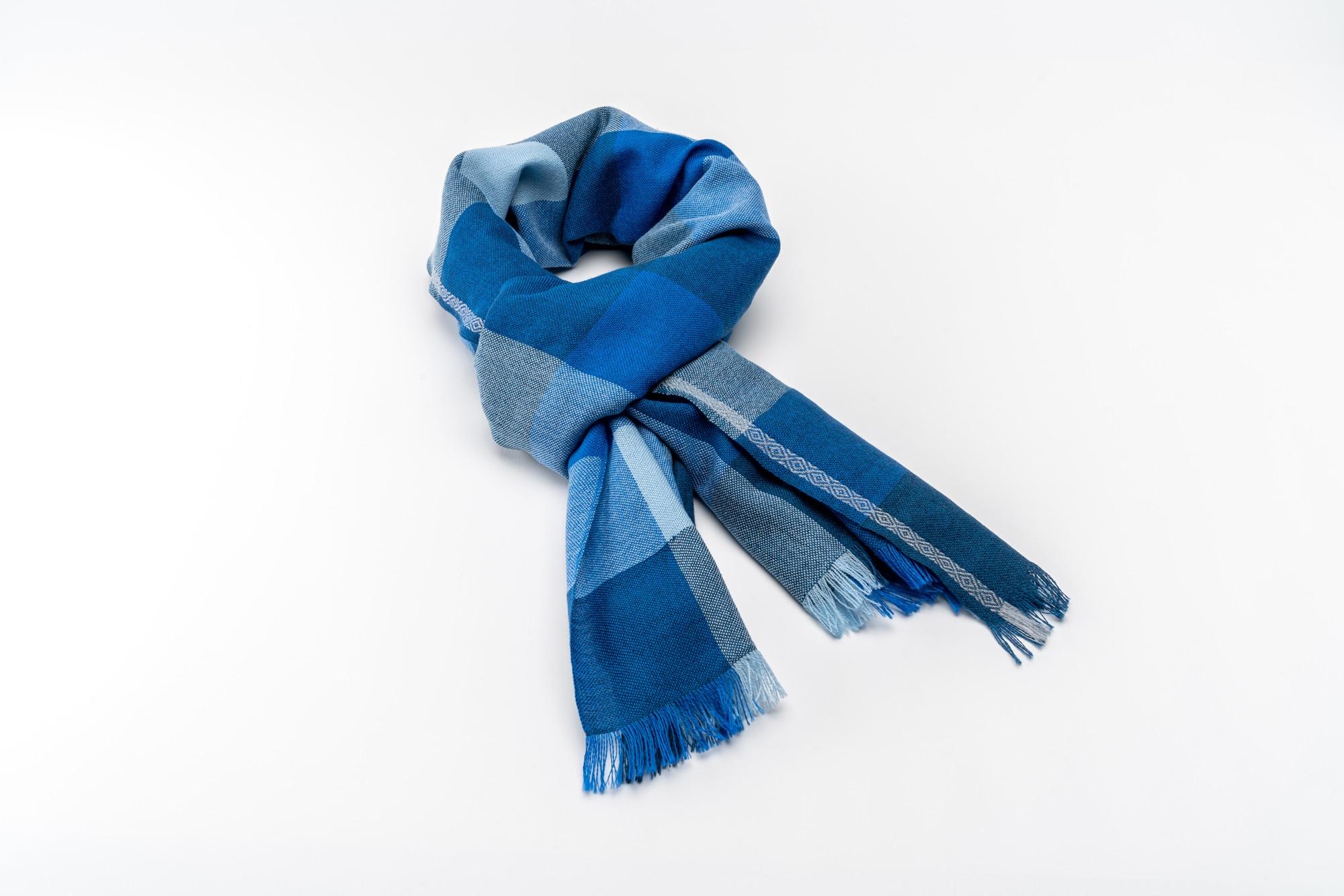 Bigna Schal Blau Grau Drapiert
