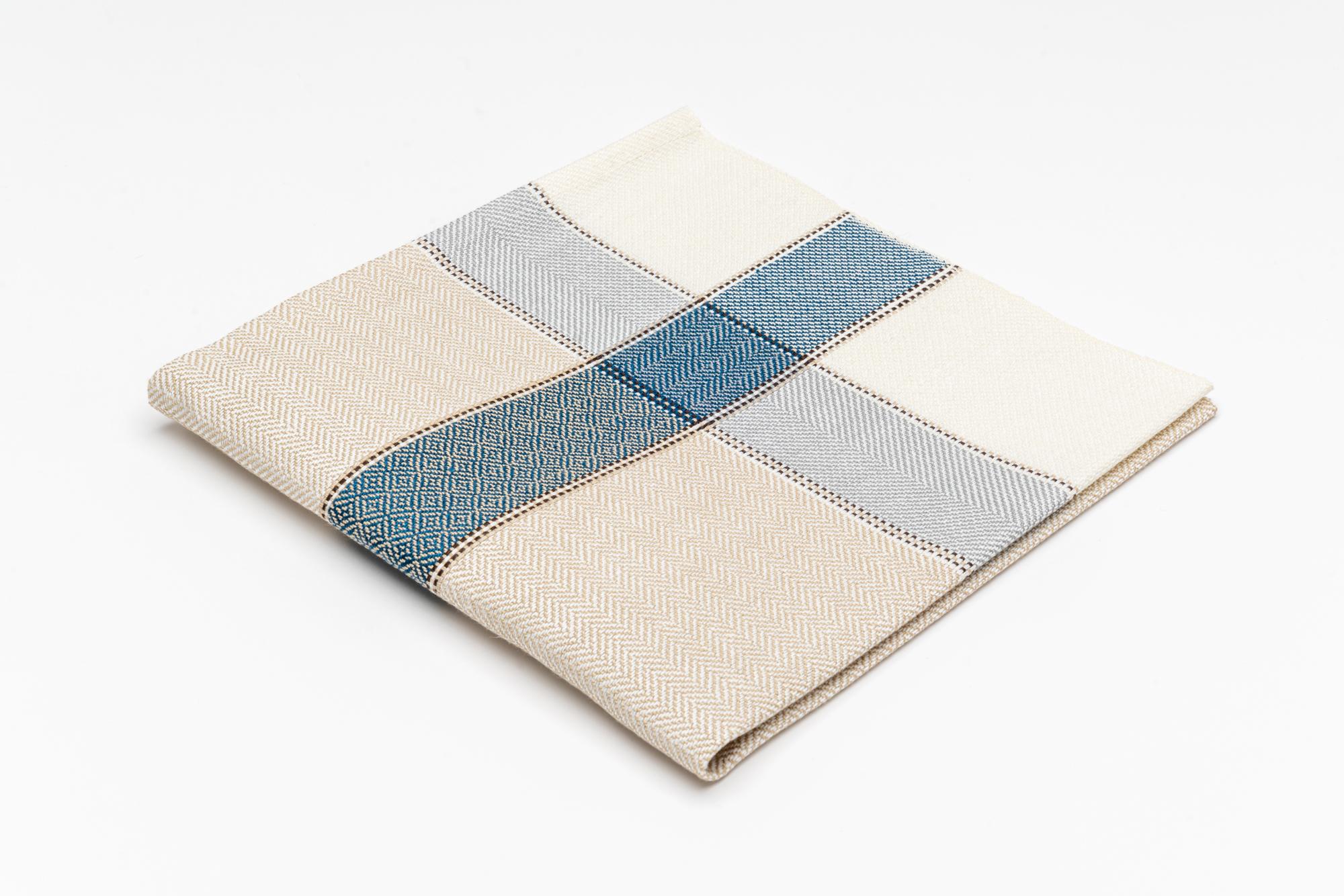 Alp Champatsch  Handtuch Blau 2